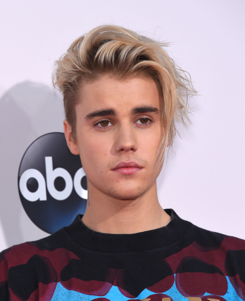 justin_bieber_2015_photo_courtesy_dfree_shutterstock_348418241jpg